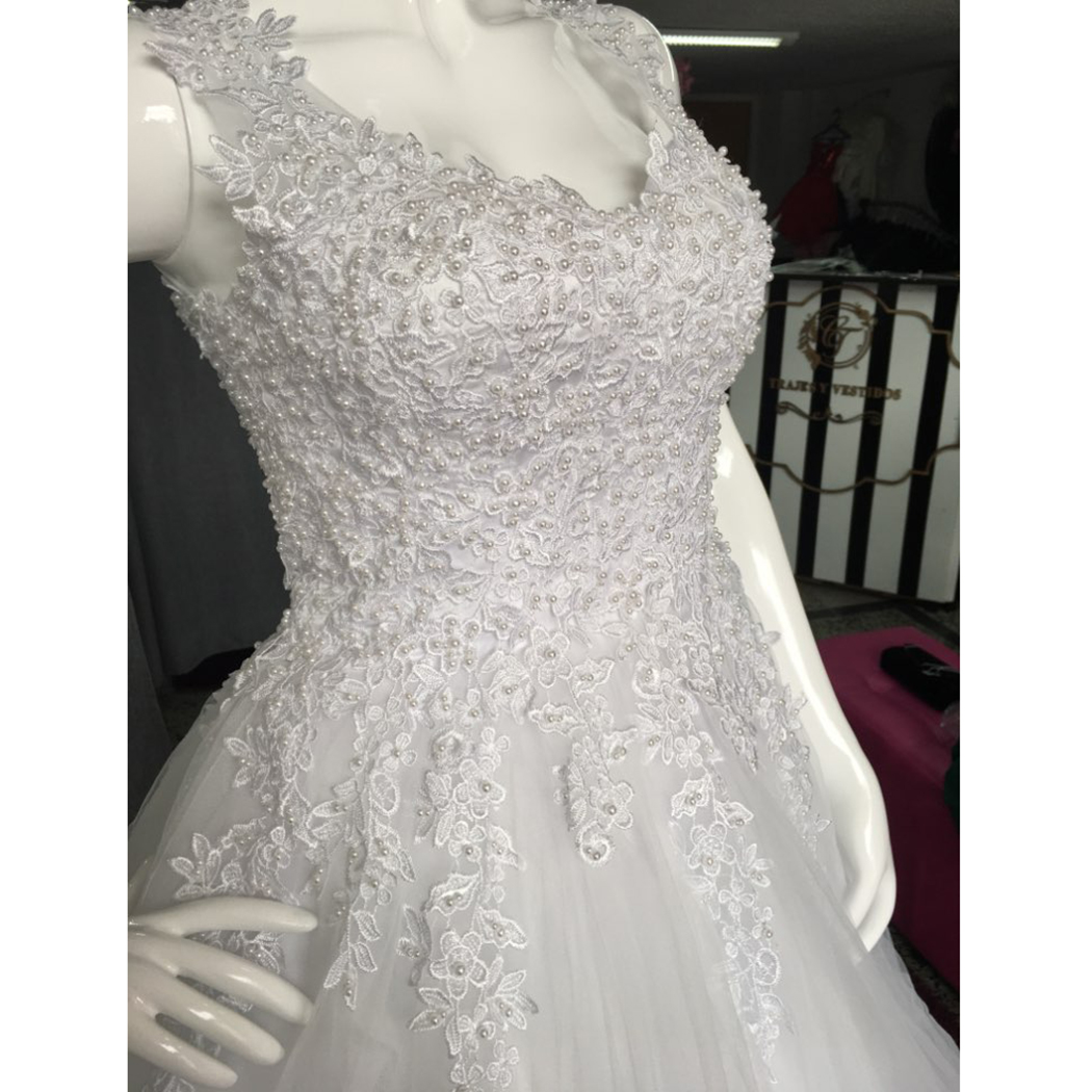 Купить с кэшбэком Beautiful Pearls Beaded Ball Gown Wedding Dress Unique Angel Sexy Red Lace Sparkle Wedding Gowns For Fat Bride