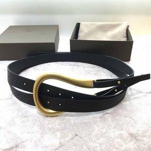 Image 5 - Cosmicchic cinturones de cuero de alta calidad para mujer, hebilla metálica Irregular, Gran semana de la moda, cinturón de cintura doble de diseñador a la moda
