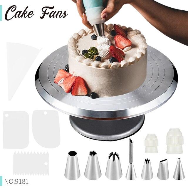 סט עיצוב עוגה הכולל משטח לעיצוב עוגה מסתובב וסט צנתרים  1
