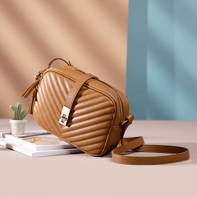 Realer Women Bag Shoulder Bags Flap Crossbody Bags Female Small Square Bag for Women 2020 Striped PU Leather with Tassel