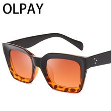 Vintage Sunglasses Women Brand Designer Oversized Sun Glasses Luxury Retro Black Frame Female Big