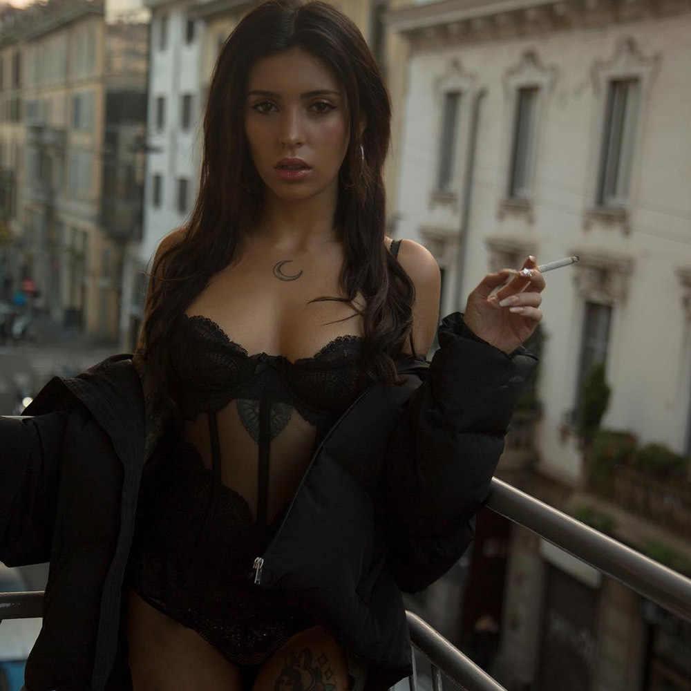 OMSJ 2019 Mới Hè Sexy Body Phối Sọc Đen Chắc Chắn Trong Suốt Đảng Câu Lạc Bộ Lưới Playsuit Cơ Thể Cho Phụ Nữ Jumpsuit Ngắn