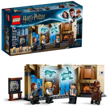 LEGO Harry Potter Hogwarts Room of Requirement 75966 Include