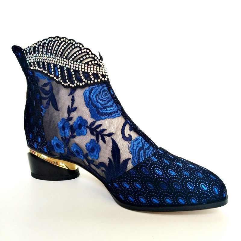 Bağlantı köprüsü moda yazlık hakiki inek deri kadın ayakkabısı 4.5cm orta topuklu çiçek desen mor mavi sandalet 34-43 artı boyutu