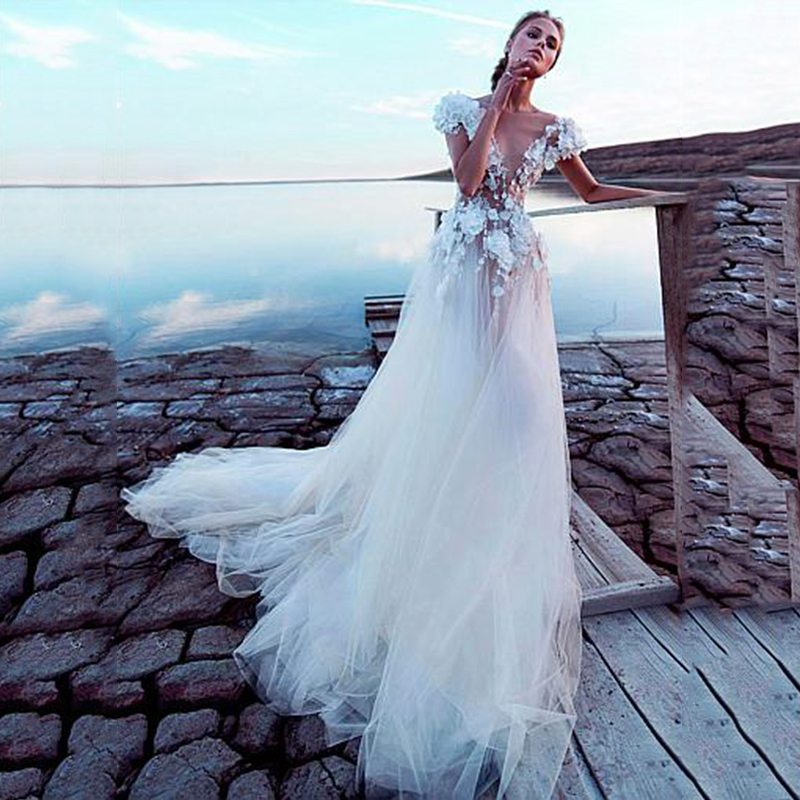 Luxury Tulle A-line Wedding Dresses 2019 Sexy Backless Bridal Dress 3D Lace Flowers Fairy Beach Fairy Beach Wedding Dress