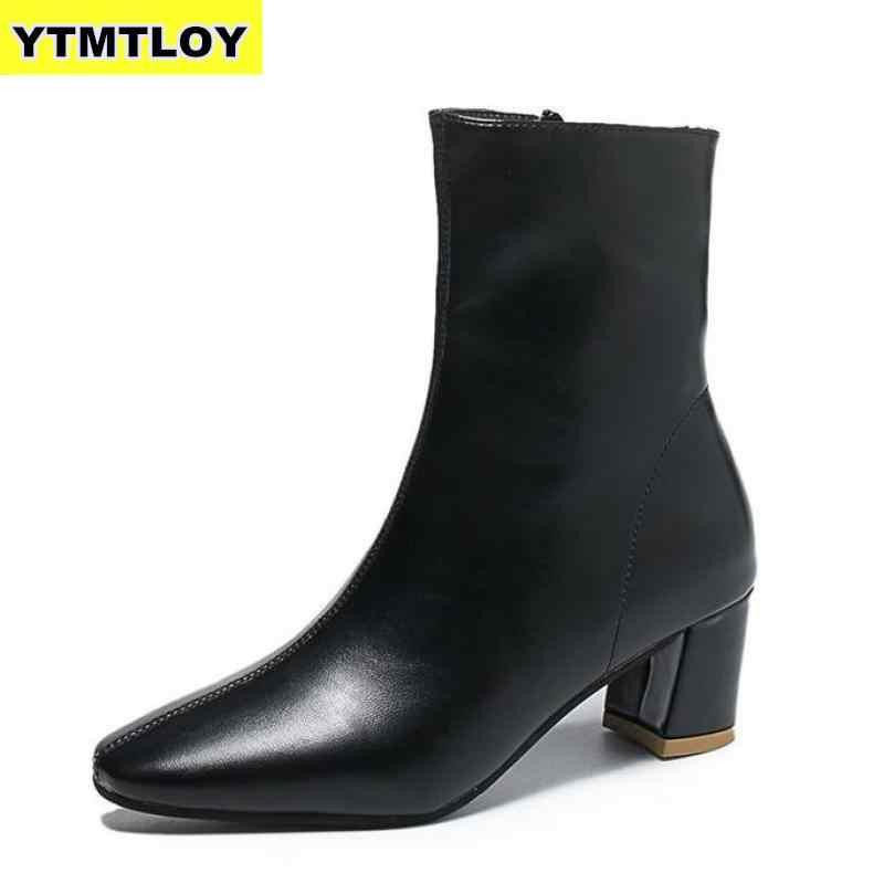 Beyaz Siyah Kadın Botları 2019 Rahat Kare Yüksek Topuk yarım çizmeler Moda Sivri burun Fermuar Çizmeler Sonbahar Kış Bayan Ayakkabıları