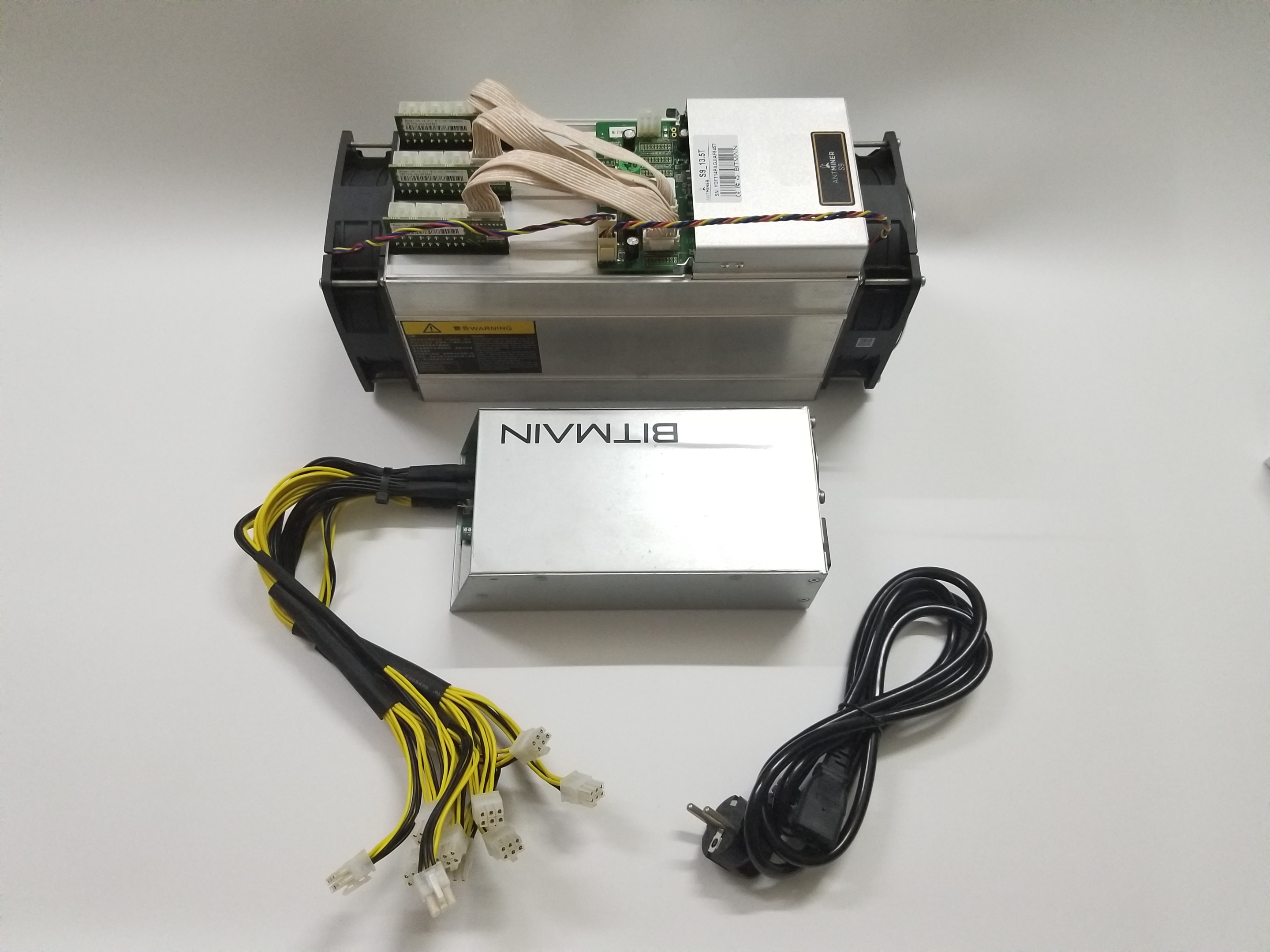 Ship in 24 hours Used AntMiner S9 13.5TH/S WITH PSU Bitcoin BCH BTC Miner Better Than S9 13.5T 14T S9j 14.5T S9 SE S11 S15 S17 2