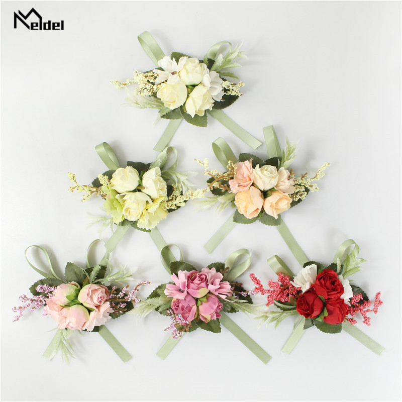 Artificial Silk Flowers Groomsmen Boutonniere Bride Wristband Corsage Sister Wedding Hand Flowers Party Suit Decor Buttonholes