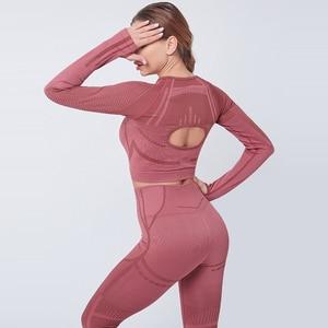 Image 2 - Женский бесшовный комплект из 2 предметов для йоги, фитнеса, тренировок и брюк, спортивная одежда с длинным рукавом, укороченный топ, тренажерный зал, леггинсы, спортивные костюмы