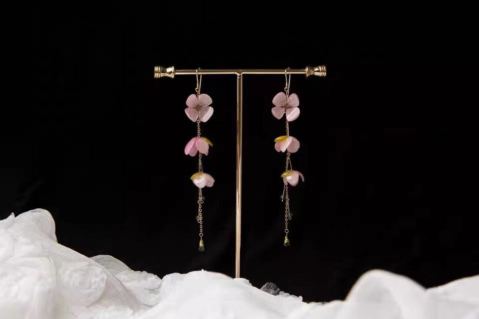 Customized earings  Womens earringsin jewelry   Flowers court earrings  Vintage rose earrings  fringe earrings 14 k yellow gold