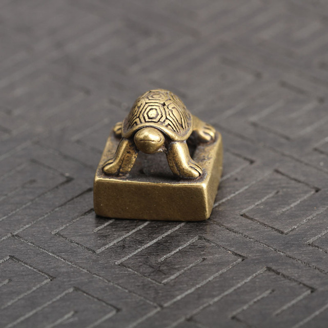 Solid Pure Brass Small Turtle Seal Statue Chinese Feng Shui Lucky Home Decorations Ornaments Lovable Animal Figurines Desk Decor 4