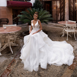 Роскошное Свадебное платье принцессы с глубоким v-образным вырезом и оборками, сексуальное платье невесты со шлейфом и бусинами