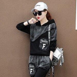 Image 5 - Max LuLu sonbahar 2019 moda kore Streetwear bayanlar üstler ve pantolonlar kadın iki parçalı Set Denim kıyafetler Vintage kapşonlu eşofman