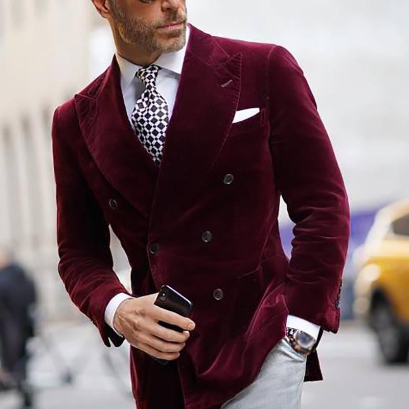04Fashion Burgundy Velvet Groom Wear Slim Fit Double Breasted Peaked Lapel Mens Business Formal Prom Tuxedos Best Man Blazer Suit 1 Piece