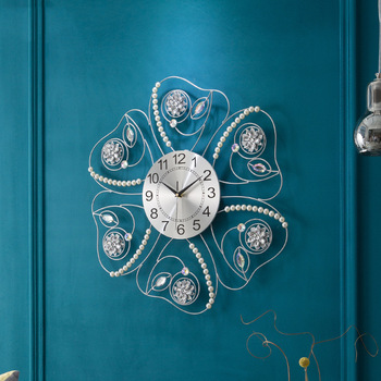 Flower Type Pearl Flash Diamond Acrylic Iron Living Room Wall Clock Living Room Mute Bedroom Decorative Wall Clock
