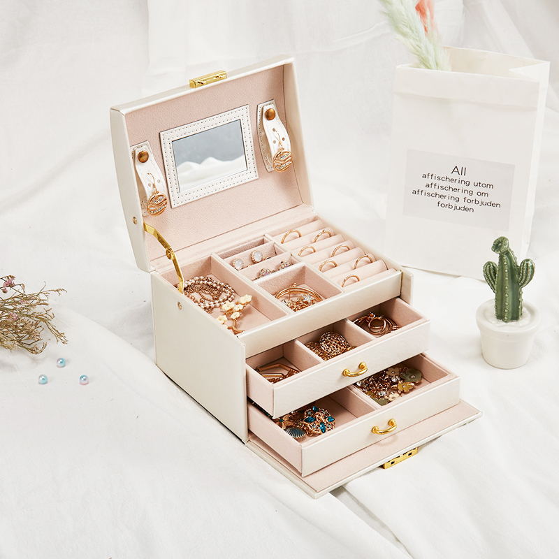 Casegrace Hot Fashion Jewelry Packaging Display Box Armoire Dressing Chest with Clasps Bracelet Ring Organiser Carrying