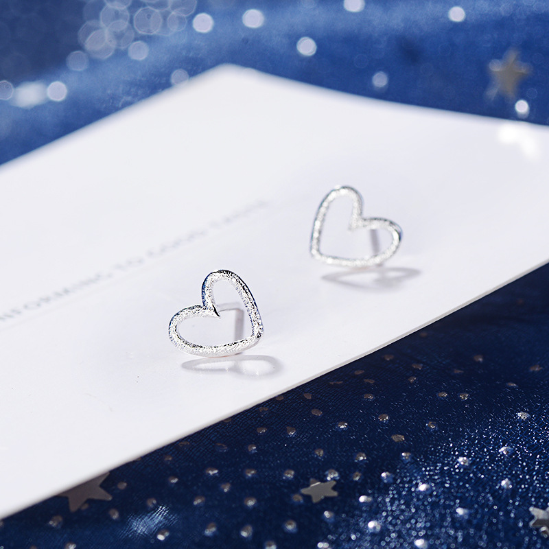 Stud-Earrings Sand Fashion Flash Woman Love Heart Edition Han Contracted Hollow-Out Sweet