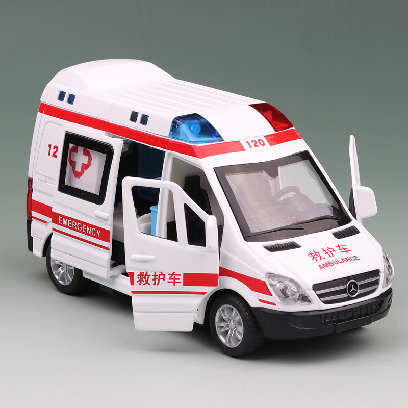 1:32 Hospital Rescue Ambulance Diecast Metal Car Model With Pull Back For Children Toys Gifts Collection Decorations