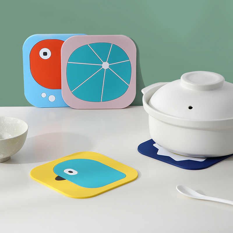 1 pçs silicone mesa de jantar placemat coaster cozinha acessórios esteira copo barra caneca dos desenhos animados animal coruja totoro minions bebida almofadas