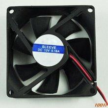Черный пластиковый квадратный охлаждающий вентилятор для компьютера