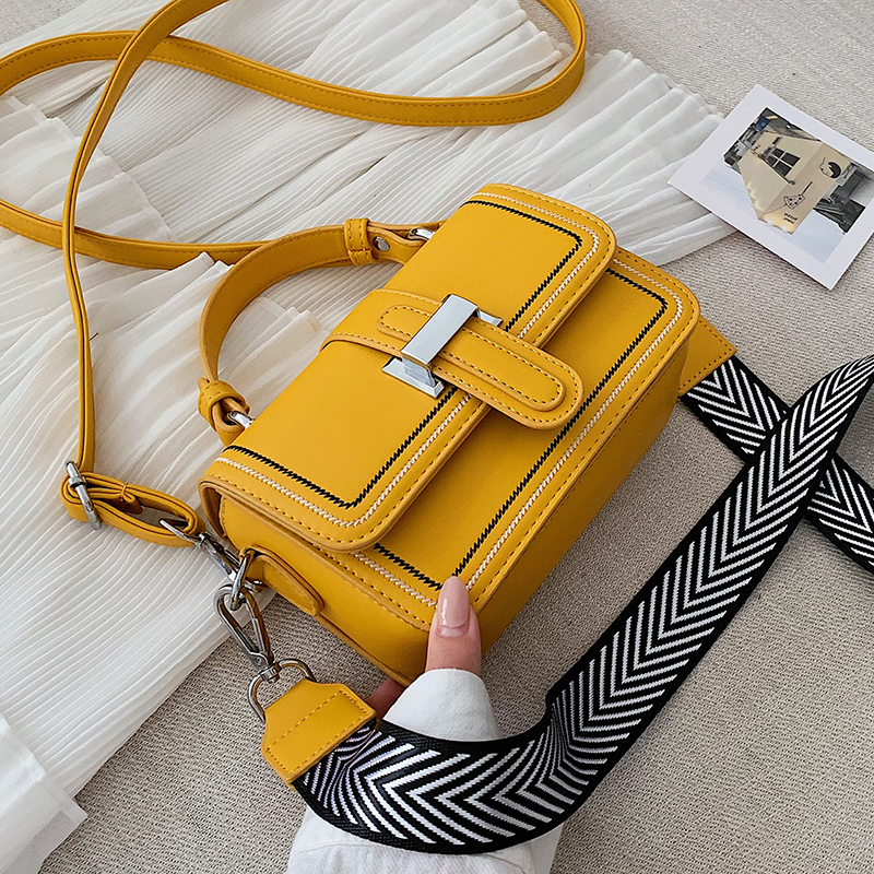Fashionable Bag Women 2020 New Korean Version Versatile Messenger Bag Wide Shoulder Strap Simple Fashion Small Square Bag