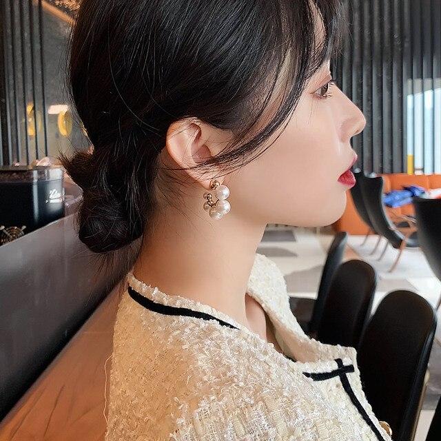 Elegant Celebrity Metal Inlaid Pearl Earrings For Woman Fashion Jewelry 2020 New Luxury Wedding Party Girl's Unusual Earrings 3