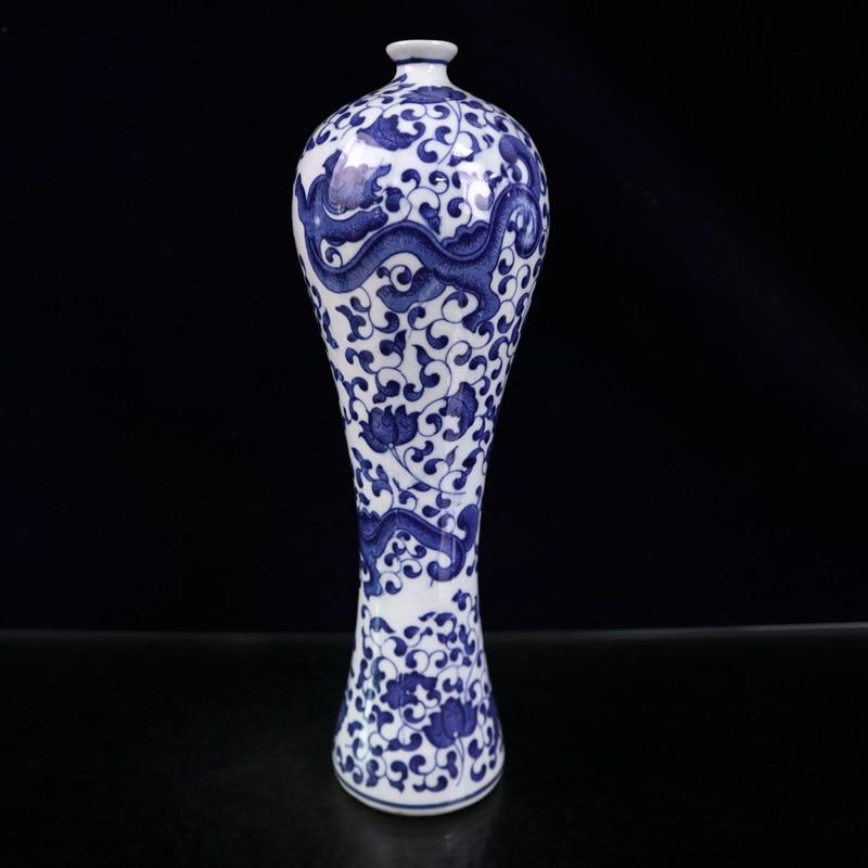Ornamento cerâmico do vaso da ameixa do