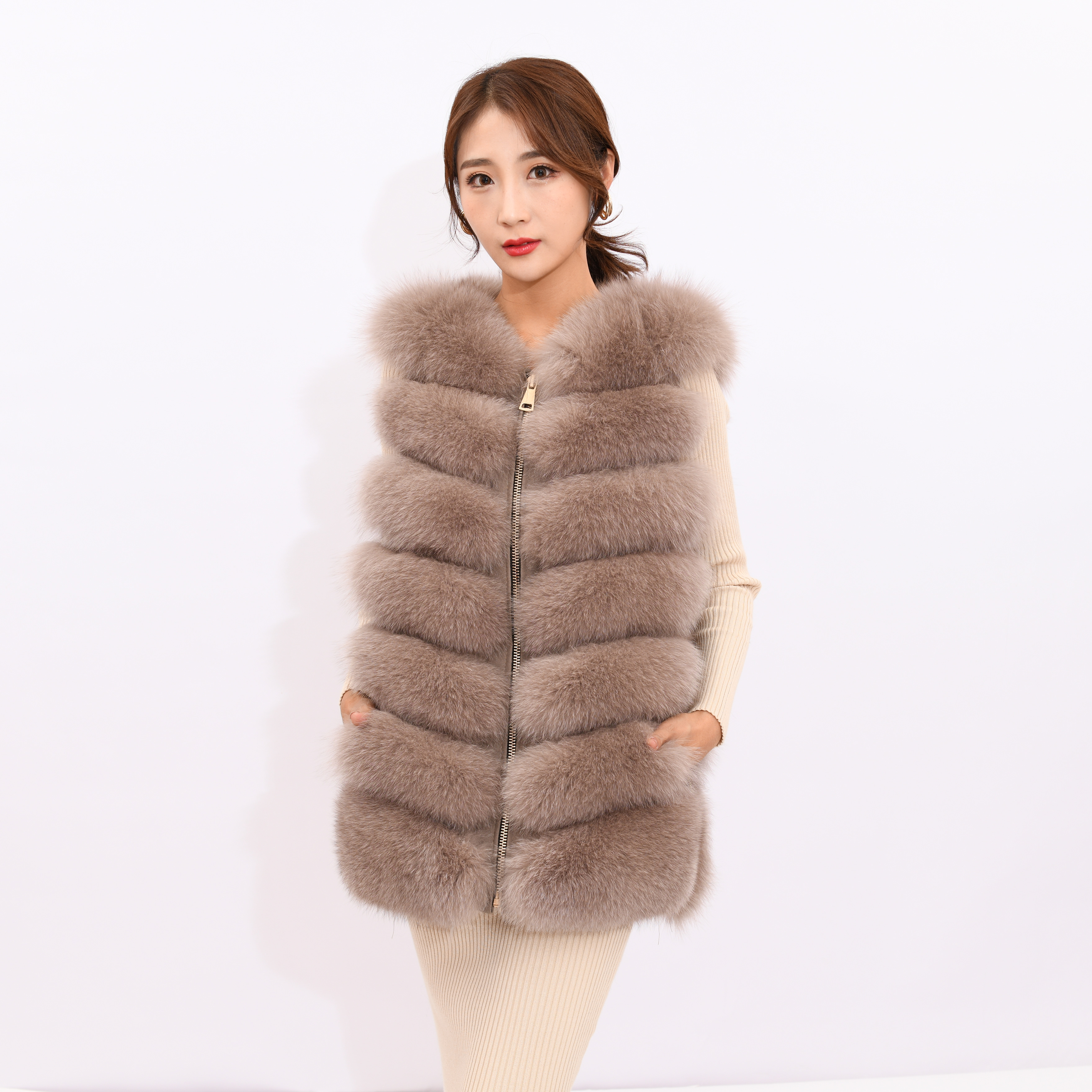 Image 4 - 2019 new women's winter real fox fur vest, real fox fur jacket, 100% natural real fur coat, high quality stylish warm sleeveless-in Real Fur from Women's Clothing