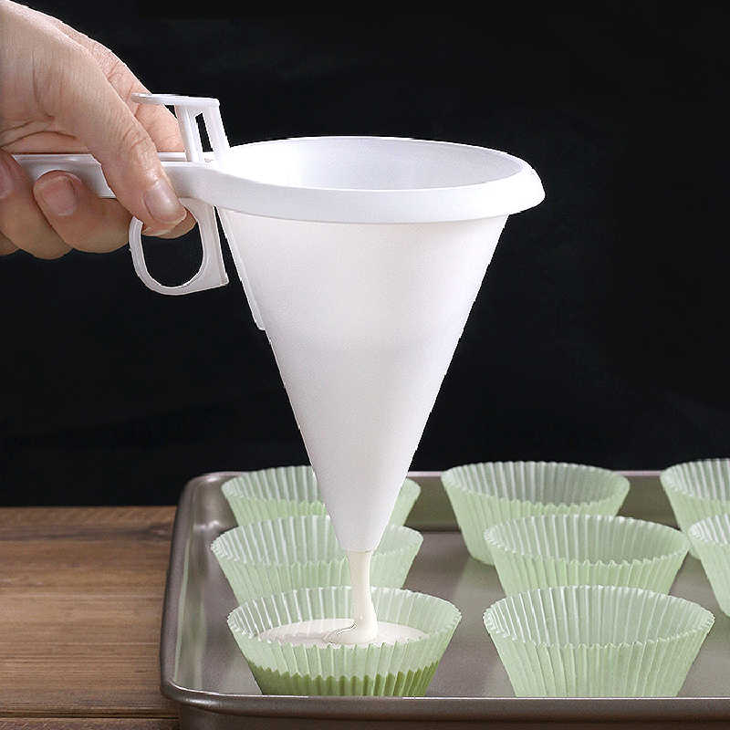 1Pcs Thuis Bakken Scheitrechter Hand-Held Gebak Schimmel Beslag Dispenser Cream Cookie Cupcake Hot Bakken Tools