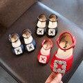 Новинка; Обувь принцессы на плоской подошве для девочек; Детские полу-сандалии с металлической пряжкой для детей 1-3 лет; Однотонная обувь с м...