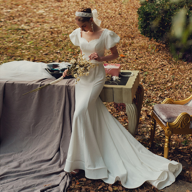 Elegant Sweetheart Collar Short Puff Sleeve Mermaid Bride Dress Simple Backless Slim Bandage Little Trailing Wedding Party Gown 2