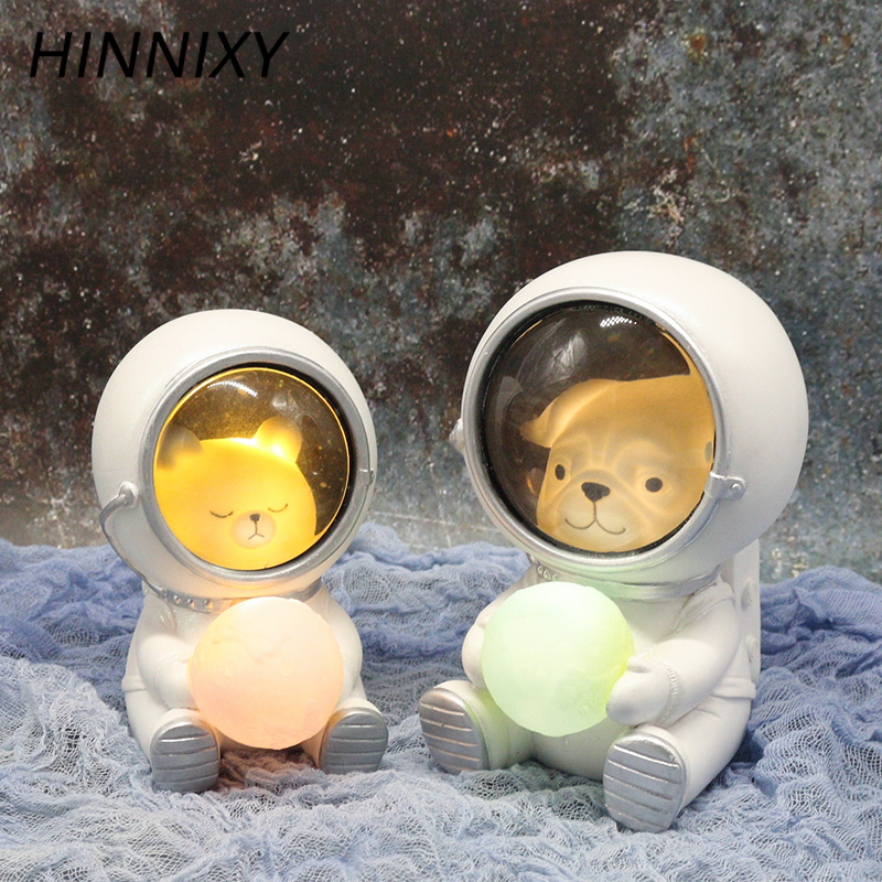 Hinnixy Creative Astronaut Night Light Dog Cat Bear Ornaments Luminaria Animal Table Lamp Warm White Resin Decor Crafts Lighting