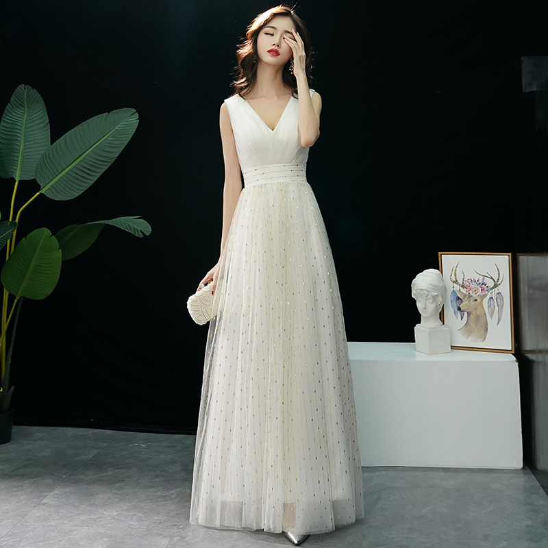 2020 New Sequins Evening Dress Long Beading Illusion Evening Gown A-Line V-Neck Banquet Formal Dress