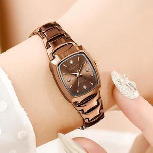 Image 2 - 여자 팔찌 시계 로즈 골드 패션 럭셔리 스테인레스 스틸 손목 시계 라인 석 타원 크리 에이 티브 숙녀 복장 쿼츠 시계