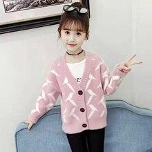Мода г.; теплый свитер с v-образным вырезом для маленьких девочек; сезон осень-зима; одежда для детей; вязаные розовые новые детские свитера для девочек
