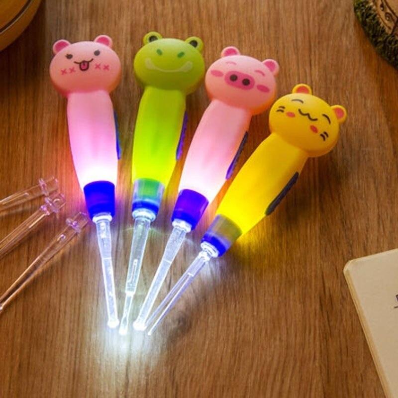 الأذن ملعقة تنظيف مع LED الإضاءة لطيف الكرتون الحيوان انفصال شمع الأذن أداة إزالة نظافة السلامة ملعقة للطفل الاطفال