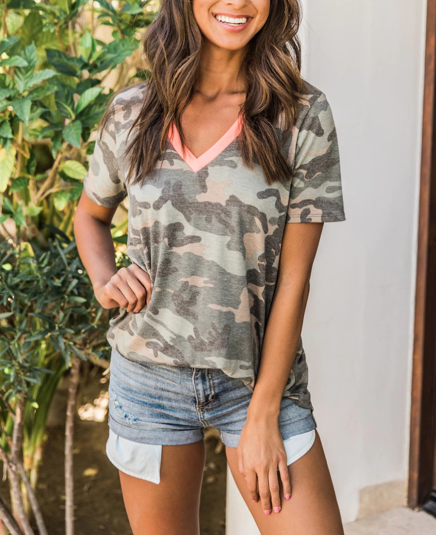 V-neck Top Short Sleeve Camouflage T Shirt Women Casual Loose T-shirt 2020 Summer Tops Tee Fashion Female Tee Shirts Femme