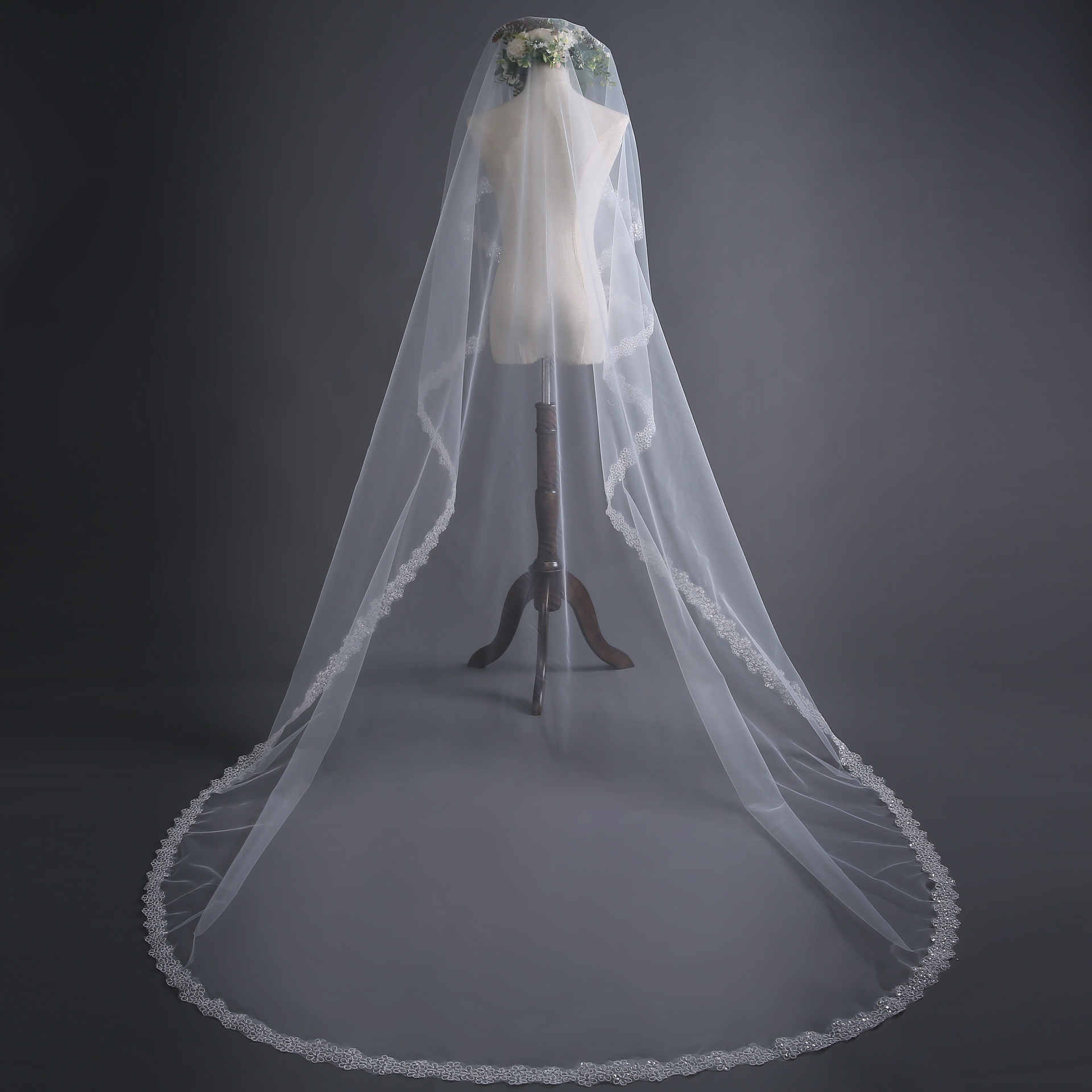 Cheap 3 Meters Wedding Veils With Comb Full Lace Edge One Layers Long Bridal Veil Velo De Novia