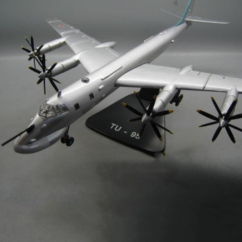 1/144 échelle rétro hélice avion modèle russie TY-95 TU-95 bombardier moulé sous pression en métal militaire avion affichage Collections jouets