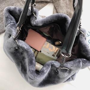Image 3 - Faux Fur kobiety torba na ramię Casual pluszowa pani torebka na ramię moda łańcuch większa pojemność torba na zakupy torebka podróżna kobieta zima