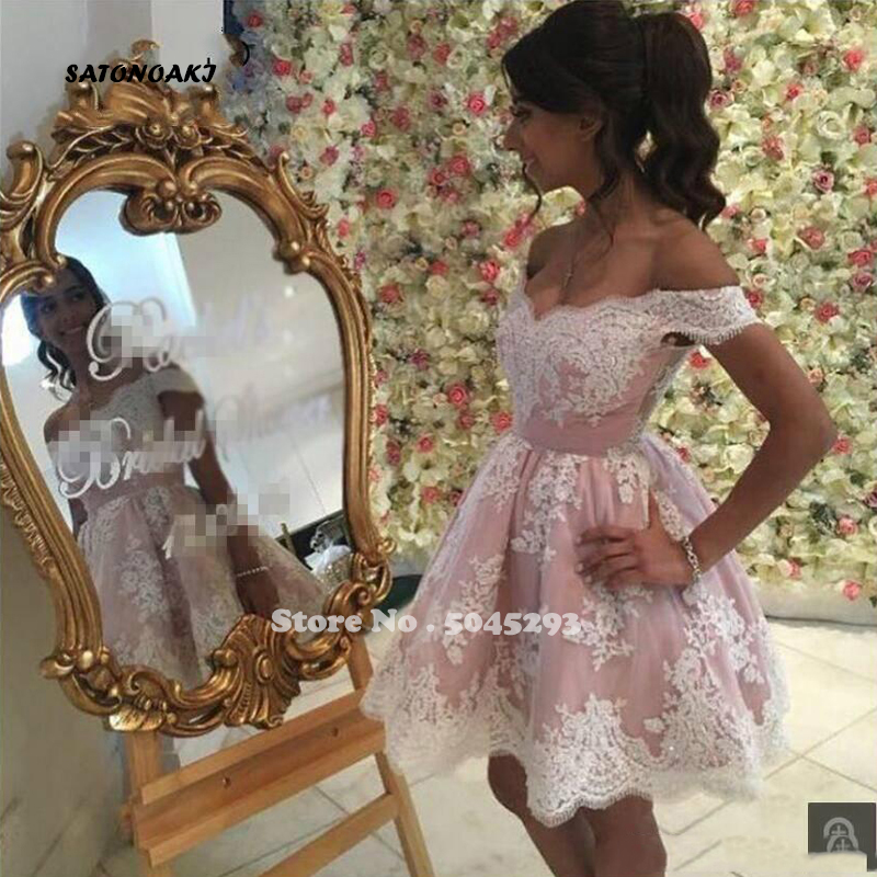 SATONOAKI 2019 New Arrival Arabic Short Cocktail Dresses Elegant Lace Appliqued Off Shoulders Ball Gown Homecoming Prom Gowns