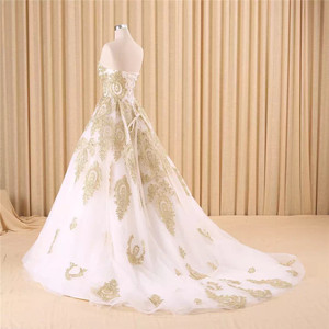 Image 3 - Vestido de noiva real photo di Lusso Una Linea Ricamato In Oro Applique In Rilievo Sweetheart abito da sposa madre della sposa abiti