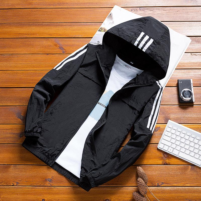 2020 New Winbreaker Men's Casual Hoodie Striped Jacket Sunscreen Clothes Men's Hooded Windbreaker Men's Jacket Streetwear