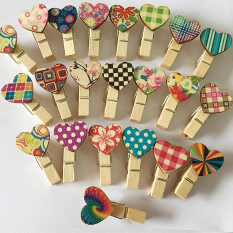 20pcs 35mm Mix Colors Wooden Heart Clips Mini Natural Wood Clip For Photo Cards Scrapbooking Wedding Party Craft Decoration