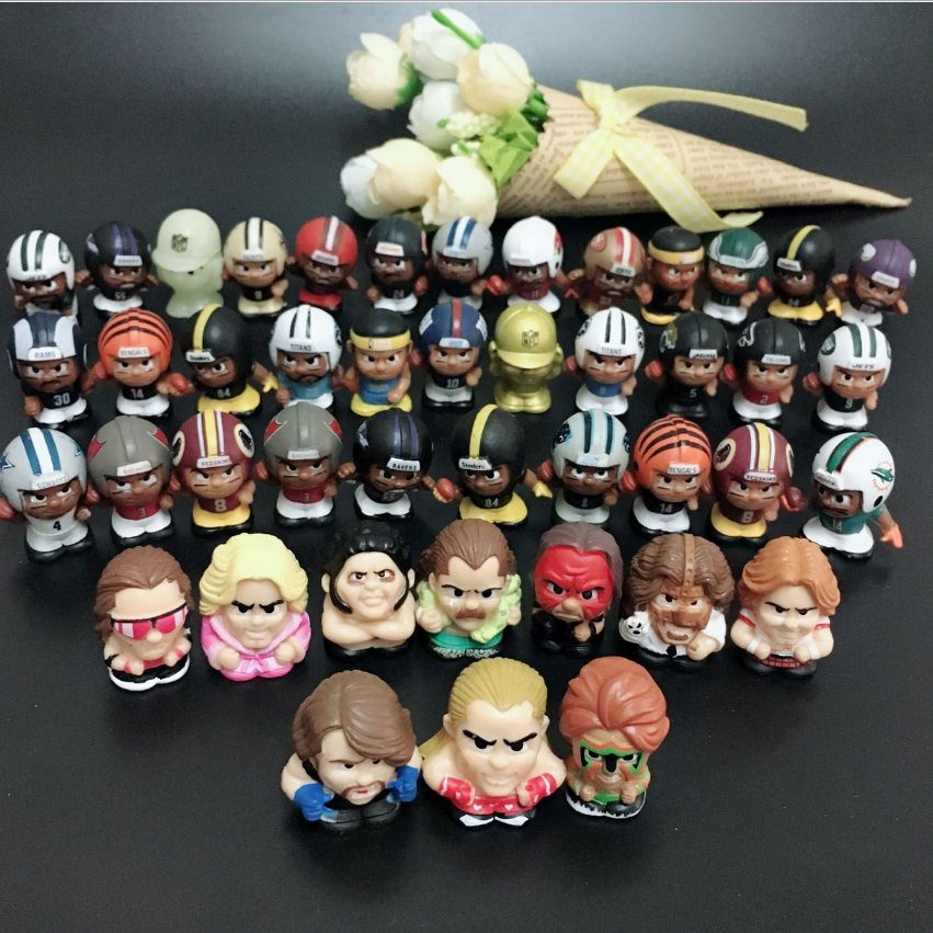 50pcs/lot Cute American Baseball Football Player Model Toy 2-3cm Kids Toy Model Figures Hobby Collectible Mix Random Sending