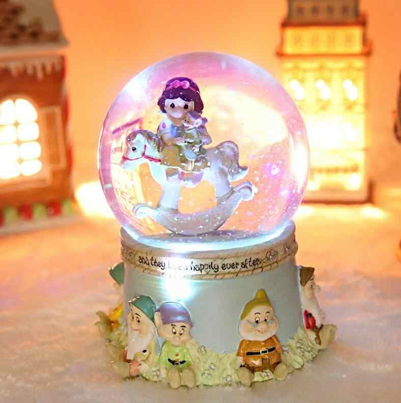 YM 713 الهدايا الإبداعية ، هدايا عيد الميلاد ، الثلج الأبيض كريستال الكرة ، صندوق تشغيل الموسيقى ، ثمانية لهجة صناديق