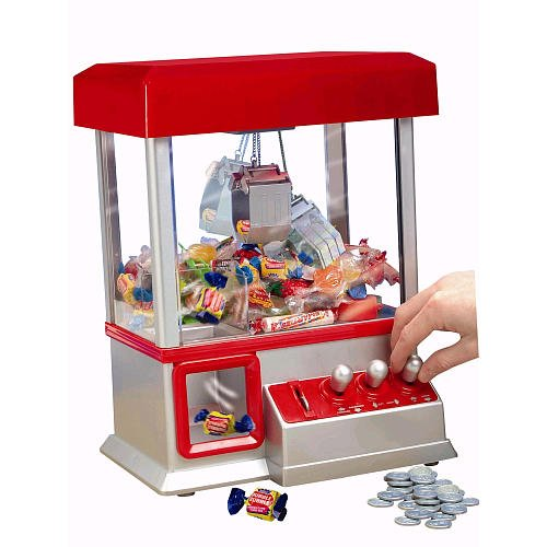 [Funny] The Electronic Claw Game toy grab win candy gum and small toys console light & music Put in the COINS candy arcade gift