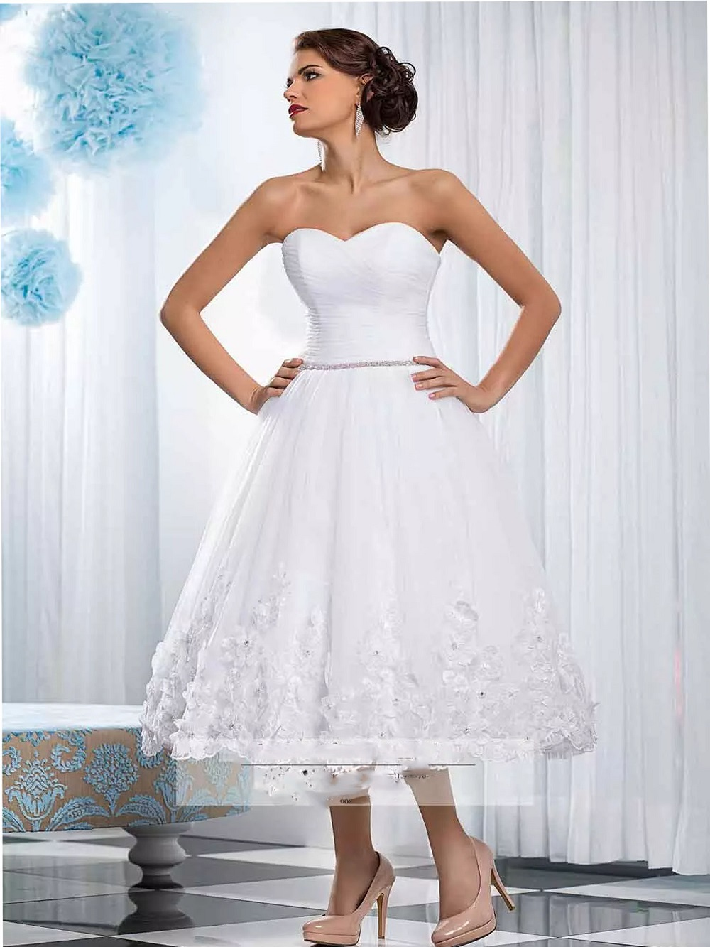Sweetheart Lace Appliques Beaded Wedding Dresses Short Tea Length With 3D Flowers Adorned Bridal Gowns Corset Back