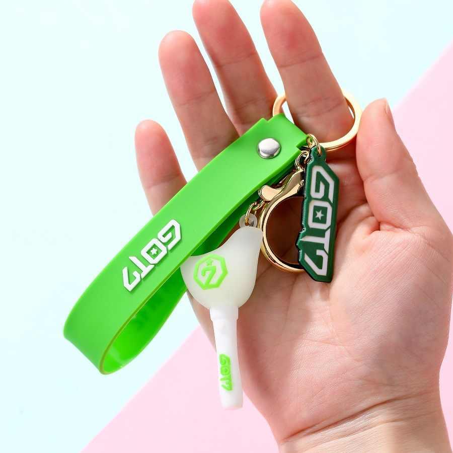 Kpop Bangtan בני keychain פעמיים NCT GOT7 אור מקל תליון מפתח שרשרת טבעת תיבת באיכות גבוהה kpop bangtan ספקי