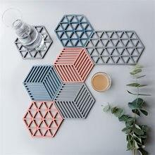 Stylish Nordic Hexagonal PVC Food Mat Stain Resistant Dining Table Placemat Anti-Slip Tea Coaster Bowl Pad Mats Kitchen Gadget